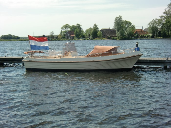 Bellus open launch 750 uit 2004